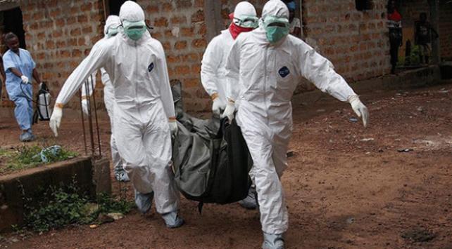 Ugandada Ebola salgını korkusuyla binlerce sağlık çalışanına aşı yapıldı