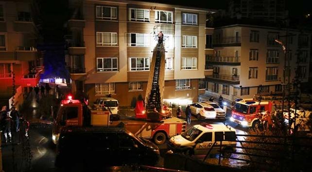 Ankarada çıkan yangında 10 kişi dumandan etkilendi