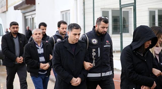 Adanada FETÖ/PDY operasyonu: 5 gözaltı