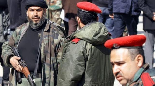 Esed rejimi çatışmalardan kaçan sivilleri zorla silah altına alıyor