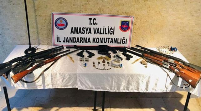 Amasya merkezli silah kaçakçılığı operasyonu: 13 gözaltı
