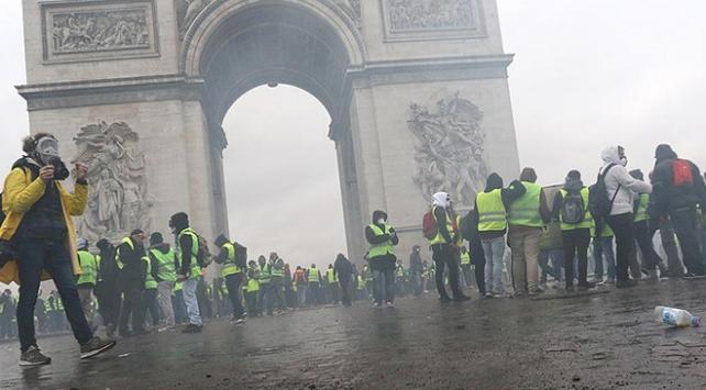 Fransa Başbakanı Philippe sarı yeleklilerle görüştü