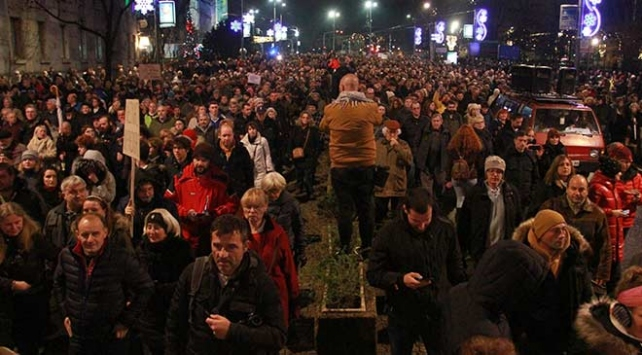 Sırbistanda hükümet karşıtı protesto