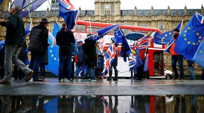 İngilterede Brexit oylaması öncesinde belirsizlik sürüyor