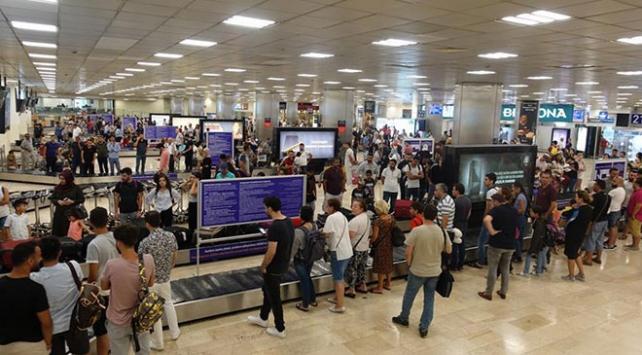İstanbul havalimanları geçen yılın yolcu sayısını 11 ayda yakaladı
