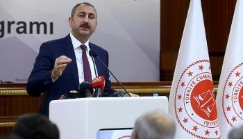 Adalet Bakanı Gül: İnsanların yaşam tarzı ile uğraşan zihniyet gericidir