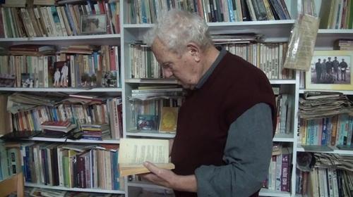 Ülkü Akçurenin 6 bin kitaplık kişisel kütüphanesi hayran bırakıyor