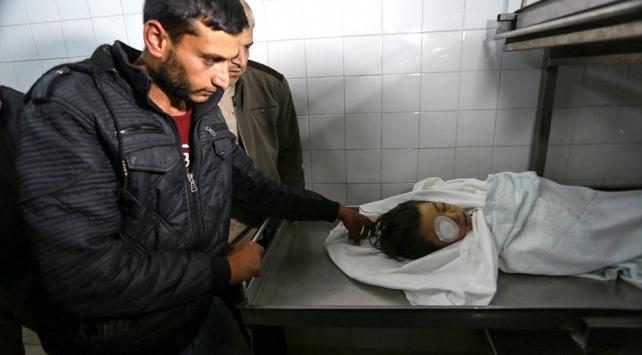 İsrail askerlerinin yaraladığı 4 yaşındaki Filistinli çocuk şehit oldu