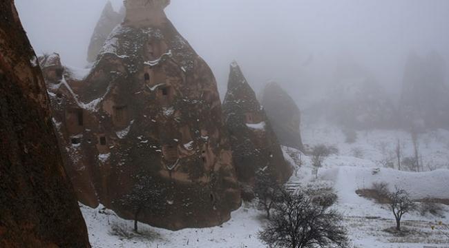 Kapadokyada kar yağışından sonra sis etkili oldu