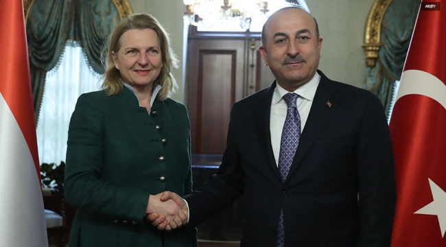 """Bakan Çavuşoğlu, Avusturyalı mevkidaşıyla """"Sembol Yasası""""nı görüştü"""