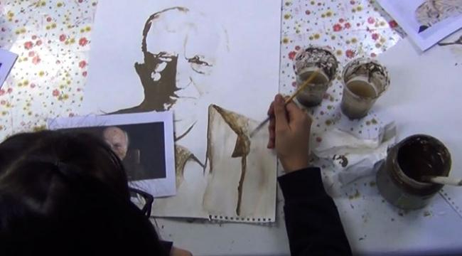 Erzincanda öğrenciler çamur ve kahve telvesini sanata dönüştürdü