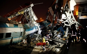 Ankarada yüksek hızlı tren kazası