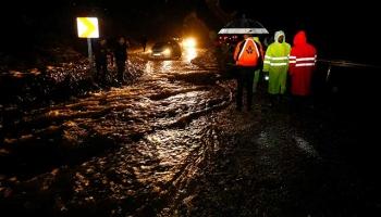 Antalyada kuvvetli yağış sel ve su baskınlarına neden oldu