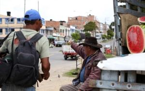 Yüzlerce kilometreyi günlerce yürüyen Venezuelalılar