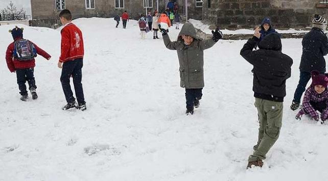 Öğrencilerden valilere güldüren kar tatili mesajları