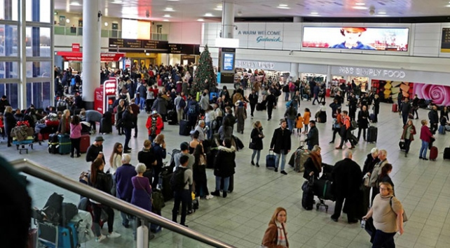 Londrada havalimanında uçuşlar drone nedeniyle askıya alındı