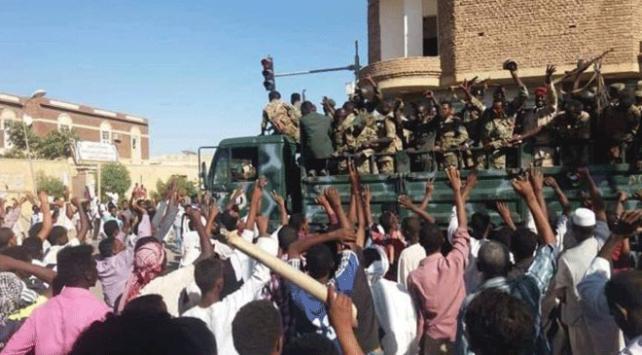 Sudanda ekonomik sıkıntıların protesto edildiği gösteriler yayılıyor