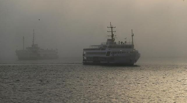 """İstanbulda vapur seferlerine """"hava muhalefeti"""" engeli"""
