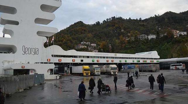 Sarp Sınır Kapısında rüşvet ve kaçakçılık operasyonu: 12 gözaltı