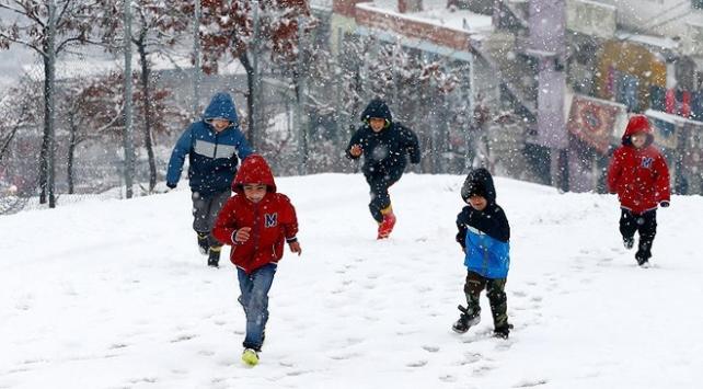 Kütahyada okullara kar tatili