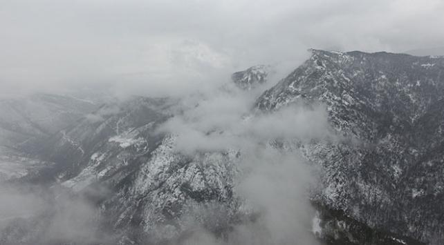 Yaralıgöz Dağı beyaza büründü