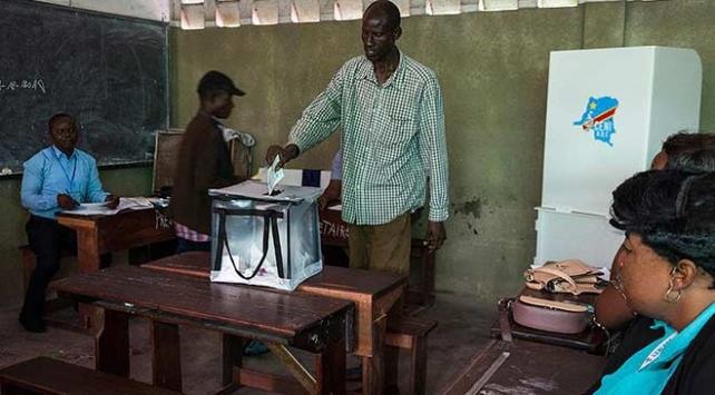 Kongoda 2 yıldır ertelenen seçimler için halk sandık başına gitti