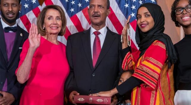 ABD Kongresinde dedesinden kalma Kuran-ı Kerim üzerine yemin etti