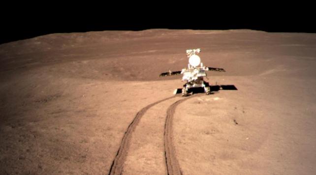 Çinin insansız keşif aracı Ayın karanlık yüzünde