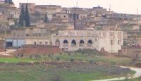 YPG/PKK'lı teröristler camiyi karargah yaptı
