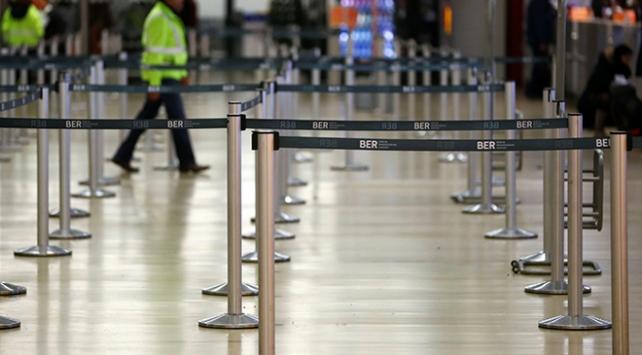 Berlindeki havalimanlarında uyarı grevi