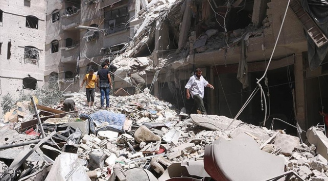 """Suriyede geçen yıl 587 """"yaşam merkezi"""" hedef alındı"""