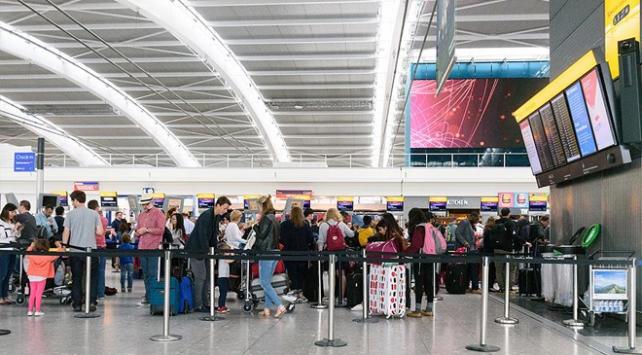 """Londra Heathrow Havalimanında """"drone"""" krizi"""