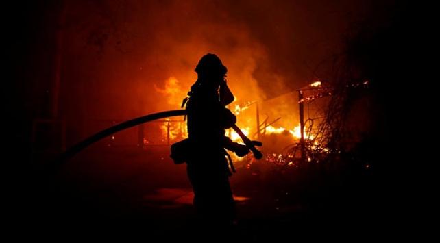 Californiadaki orman yangını 2018in en maliyetli doğal afeti oldu