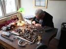 Kalemkar Berç Melikyan, 43 yıldır emek verdiği sanatın son temsilcilerinden
