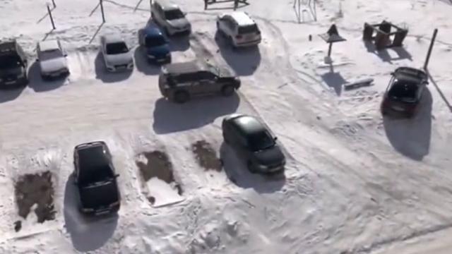 Rusya'da sarhoş sürücü otoparkı birbirine kattı