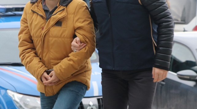 FETÖnün askeri yapılanmasına operasyon: 18 gözaltı