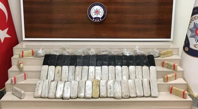Vanda uyuşturucu operasyonu: 35 kilo uyuşturucu ele geçirildi