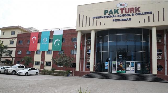 Peşaverdeki FETÖ okullarının Türkiye Maarif Vakfına devri tamamlandı