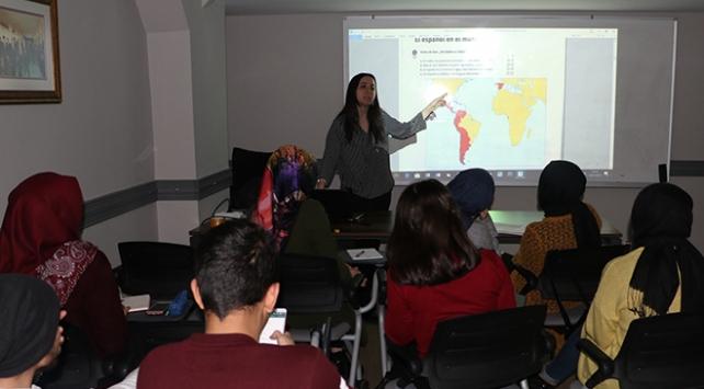 İBB, 12 dilde ücretsiz yabancı dil eğitimi verecek