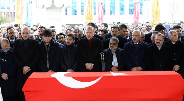 Erdoğan eski milletvekili Aksakın cenaze törenine katıldı