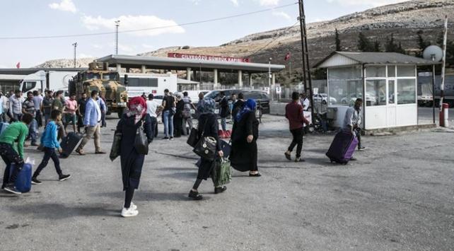 200 bin Suriyeli ülkesine döndü