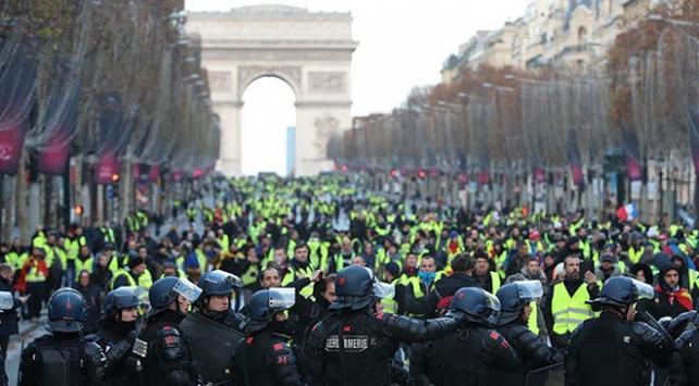 Fransaya yapılan uluslararası uçuşlarda düşüş