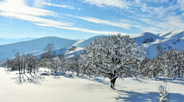 Doğuda kış mevsiminin zorlukları ve güzellikleri bir arada yaşanıyor