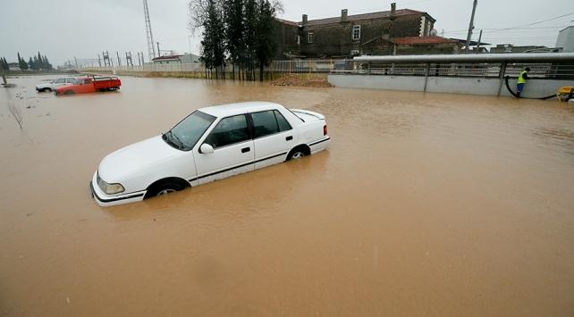 İzmirde bir aylık yağmur 3 günde yağdı