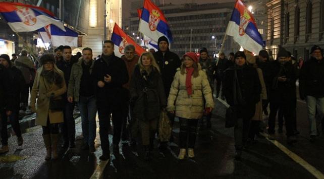 Sırbistanda hükümet karşıtı protestolar sürüyor