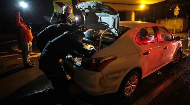 Bakırköyde polisten kaçan alkollü sürücü kaza yapınca yakalandı