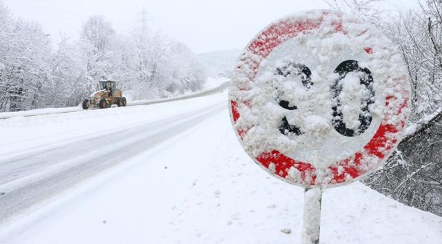 """Karayolları Genel Müdürlüğünden sürücülere """"kış şartları"""" uyarıları"""