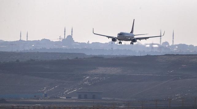 İstanbuldaki havalimanlarında 45 saniyede bir sefer yapıldı