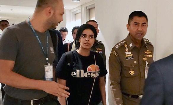 Taylandda alıkonulan Suudi genç kadın Kanadaya gitti