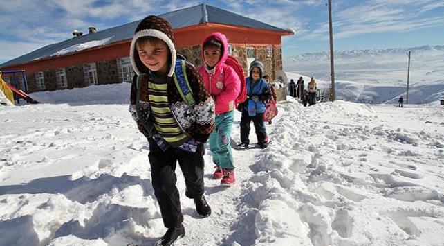 Bitliste eğitime kar tatili
